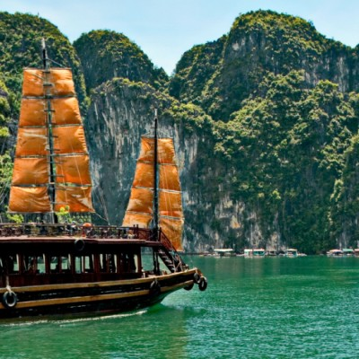 stock halong bay 1920x550