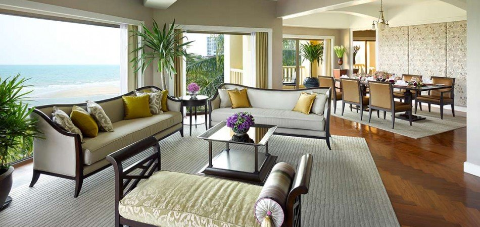 dthh_accommodation_presidential-suite_living-area (1)